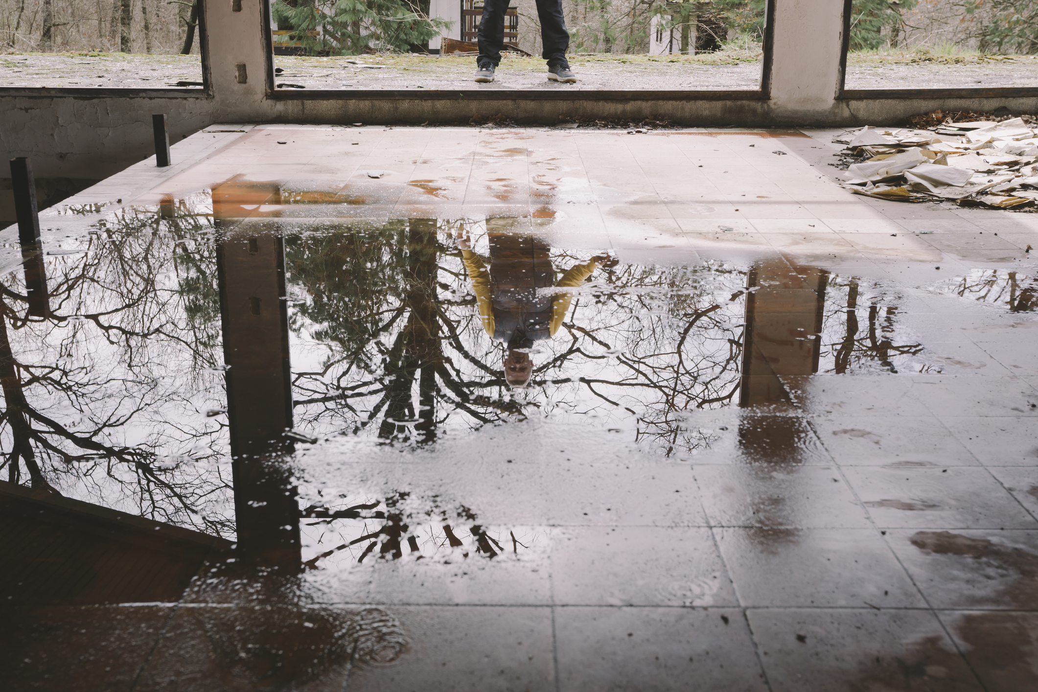 An image of a flooded house. Home Living Construction can repair water damage like this to your home.